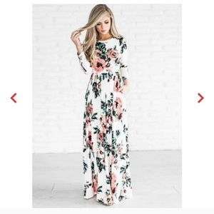 Maxi Dress Floral Long Sleeve White Size Small